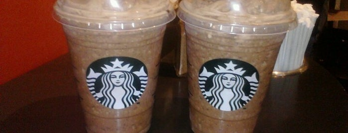 Starbucks is one of Lugares favoritos de Christian.