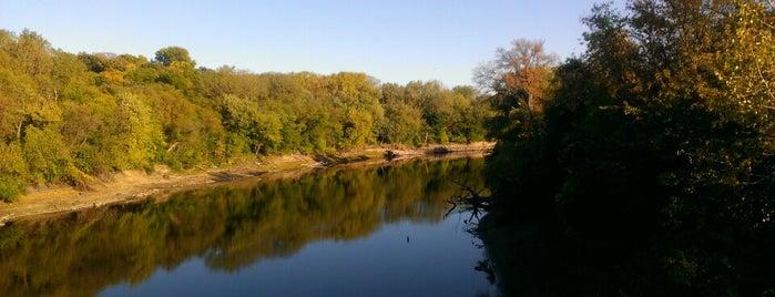 Minnesota Valley National Wildlife Refuge is one of สถานที่ที่ Joshua ถูกใจ.