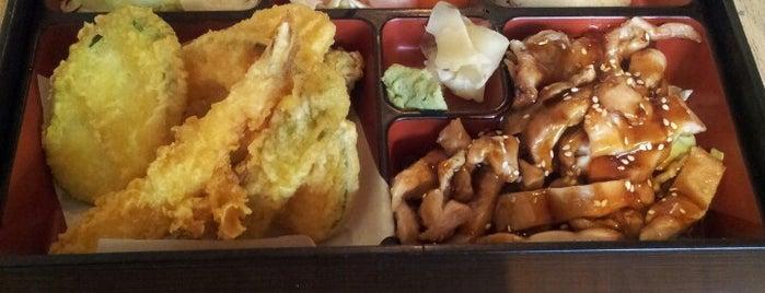 Yokohama Japanese Restaurant is one of Lugares favoritos de Dottie.