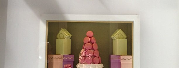 Ladurée is one of Bons plans Rome.