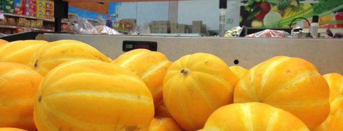 HK Market is one of Lieux qui ont plu à Michelle.