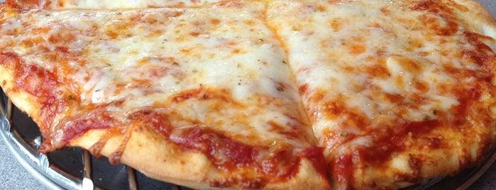 Davanni's Pizza and Hot Hoagies is one of Posti che sono piaciuti a Kimberly.