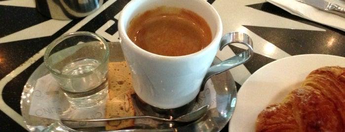 Caffe Cino is one of Tempat yang Disimpan Elfrisha.