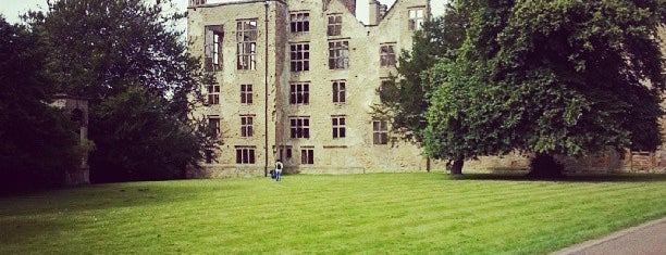 Old Hardwick Hall is one of Posti che sono piaciuti a Carl.