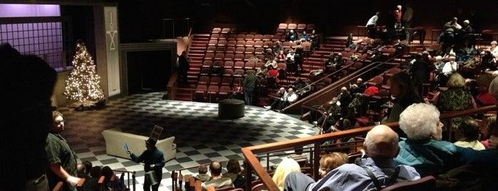 Racine Theatre Guild is one of Locais curtidos por Laura.