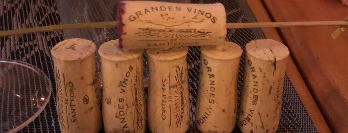 Wine Bistro by Vinexpert is one of Posti che sono piaciuti a Toma.