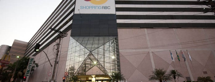 Shopping ABC is one of Locais curtidos por Max.