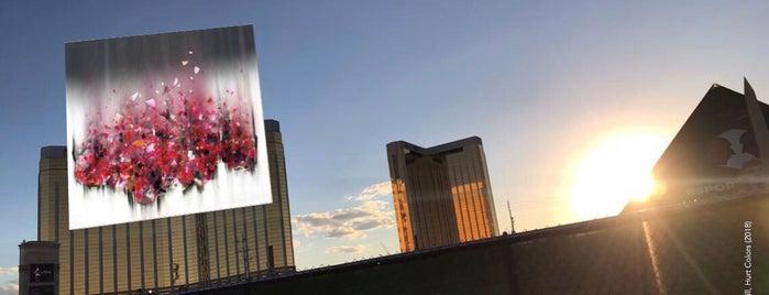 Las Vegas Village is one of Caroline : понравившиеся места.