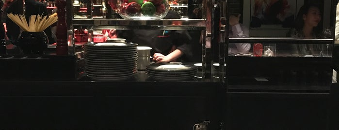 L'Atelier de Joël Robuchon is one of NYC the right way..