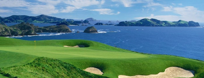 Kauri Cliffs Golf Course is one of Lugares guardados de Hugo.