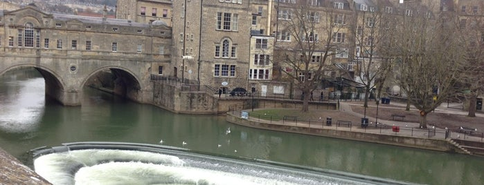 Pulteney Weir is one of Oxford.