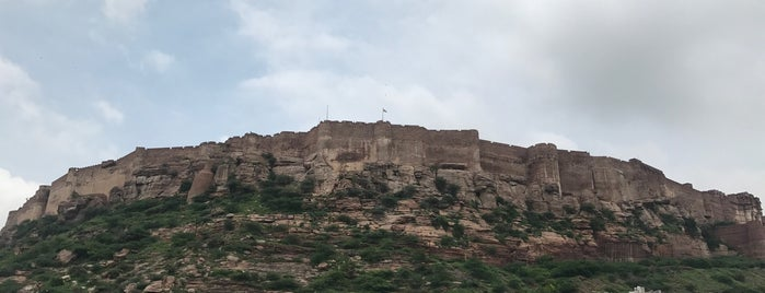 Mehrangarh Fort is one of Locais curtidos por Ankur.