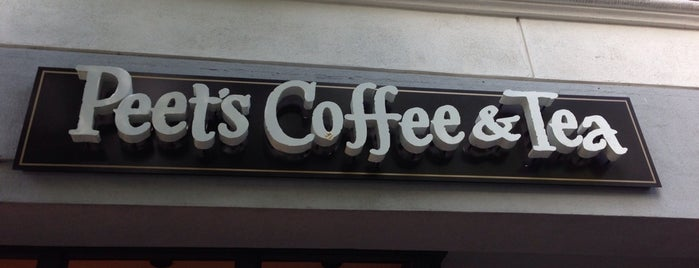 Peet's Coffee & Tea is one of สถานที่ที่ Vu ถูกใจ.