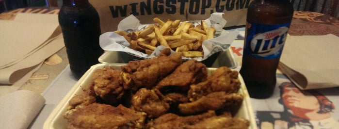 Wingstop is one of Lugares favoritos de Zarahi.