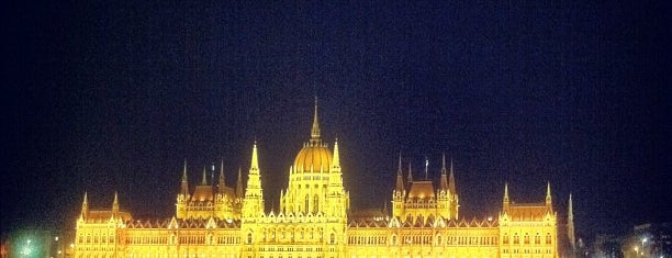 Batthyány tér is one of Must See in Budapest !.