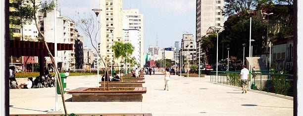 Praça Franklin Roosevelt is one of Locais salvos de Fabio.