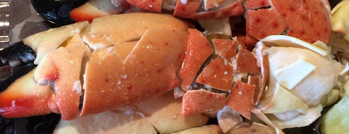 Joe's Stone Crab is one of An All-Encompassing Guide to Miami's Art Scene.