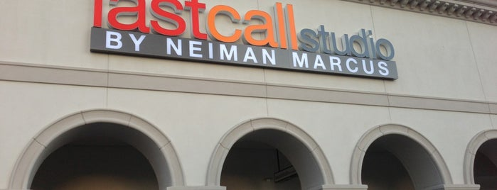 Last Call by Neiman Marcus is one of Samahさんのお気に入りスポット.