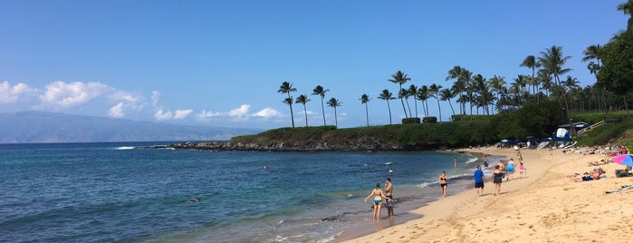 Kapalua Bay Beach is one of Orte, die Sam gefallen.