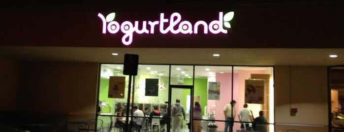 Yogurtland is one of Tyler 님이 좋아한 장소.