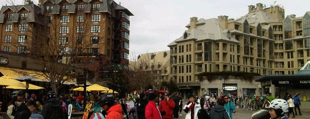 Whistler Village Square is one of Posti che sono piaciuti a Jack.
