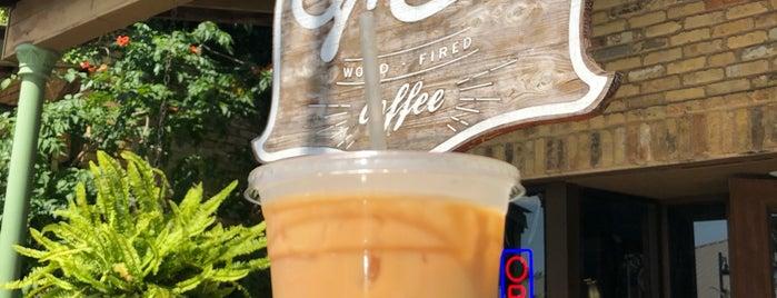 Summermoon Coffee Bar is one of Tempat yang Disukai Matt.