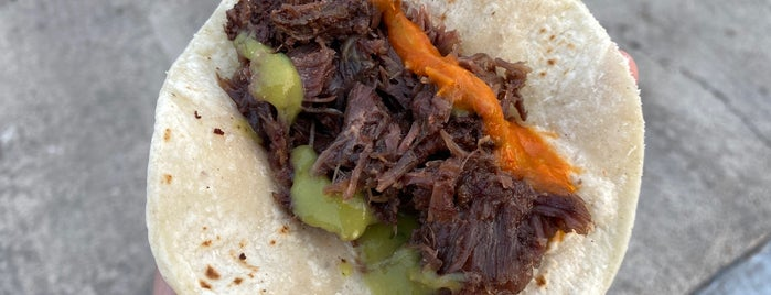 Veras Backyard Bar-b-que is one of TM 120 Tacos You Must Eat Before You Die.