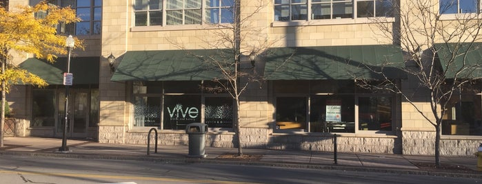Vive Bistro and Bakery is one of Lugares favoritos de Ryan.