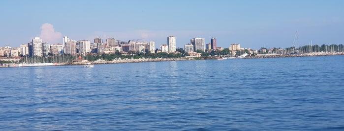 Kalamış Marina F3 Pontonu is one of Orte, die Han gefallen.