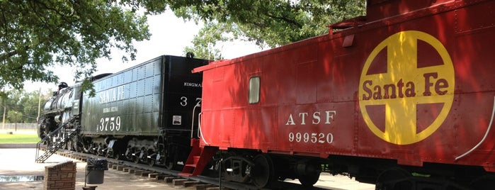 AT&SF Locomotive No.3759 is one of Historic Route 66.