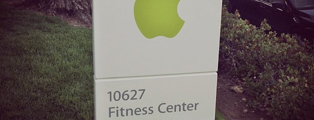 Apple Fitness Center is one of Lieux qui ont plu à Tyler.