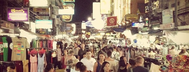 Khaosan Night Market is one of Lugares favoritos de Евгения.
