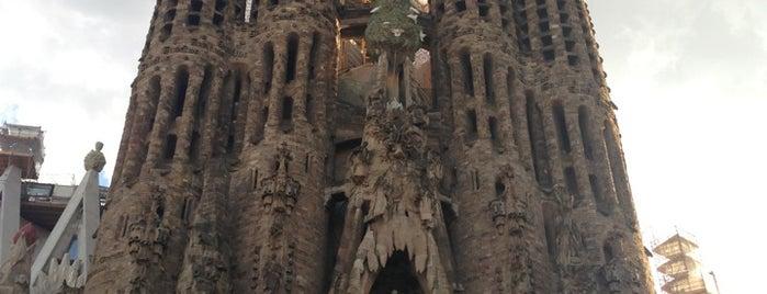 Templo Expiatório da Sagrada Família is one of Barcelona.