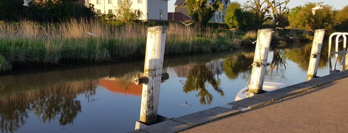Sandwich Quay is one of Lugares favoritos de Carl.