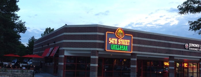 54th Street Grill & Bar is one of Dave 님이 좋아한 장소.
