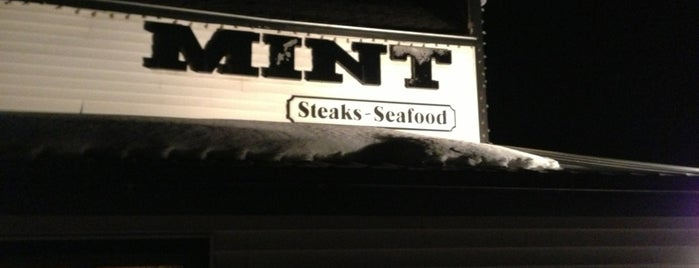 Mint Steakhouse is one of Locais curtidos por Josh.