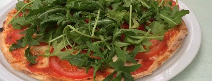 Ristorante & Pizzeria Bella Italia is one of Naporn : понравившиеся места.