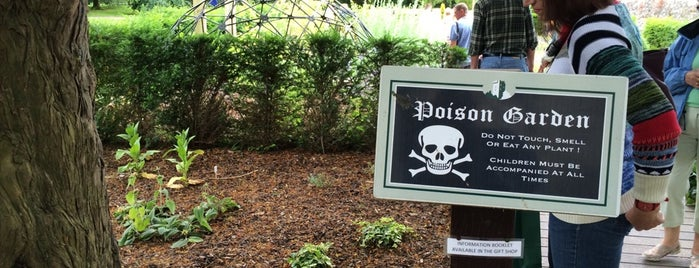 Poison Garden is one of Orte, die Carl gefallen.