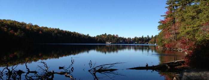 Lake Minnewaska is one of Catskills.