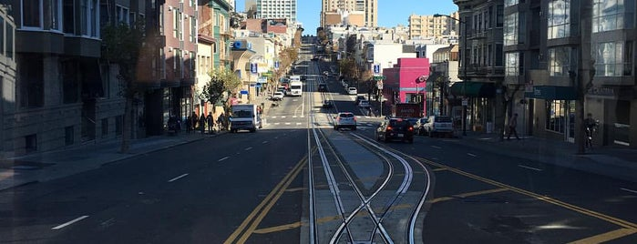 California Cable Car Turnaround-West is one of Tempat yang Disukai Aline.