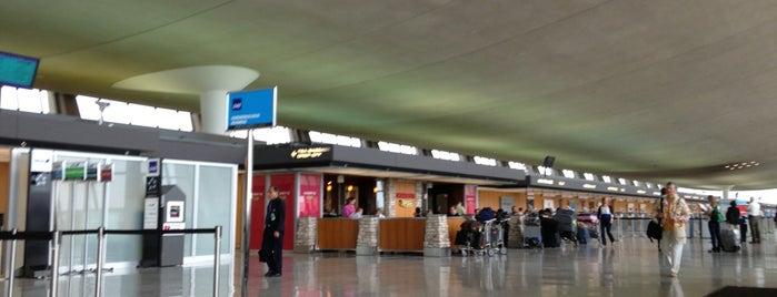 KLM is one of Josh: сохраненные места.