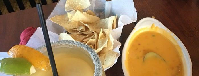 Julia's Mexican Grill is one of Mary Ellen'in Beğendiği Mekanlar.