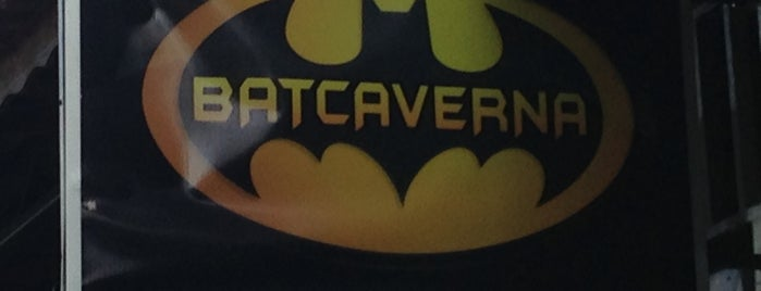 Batcaverna Rockbar is one of สถานที่ที่บันทึกไว้ของ Darci.