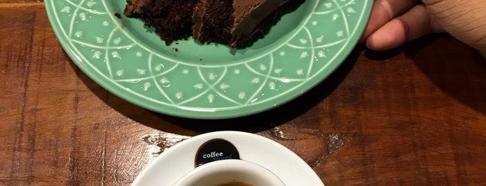 Coffee Sweet Coffee is one of Locais curtidos por Edenilton.