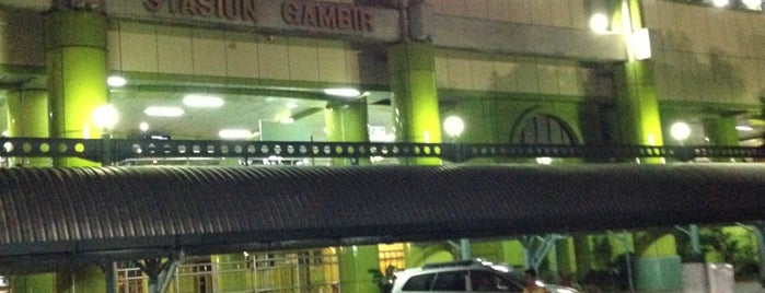 Stasiun Gambir is one of Locais salvos de Chimotha.