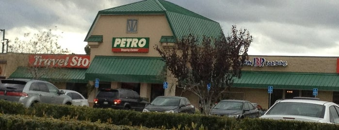 Petro Stopping Center is one of สถานที่ที่ calixton ถูกใจ.