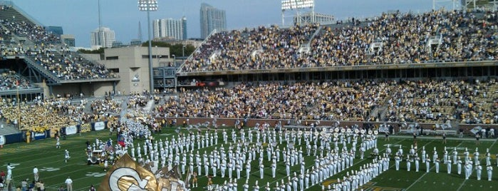 Bobby Dodd Stadium is one of Lugares favoritos de Todd.