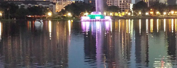 Lake Eola Park is one of Looking @ Skylines.