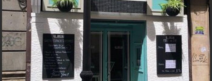 el bocado de carole is one of สถานที่ที่ Miguel ถูกใจ.