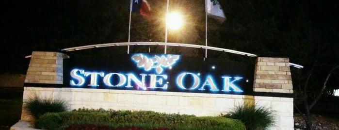 Stone Oak is one of สถานที่ที่ Kim ถูกใจ.
